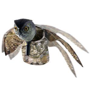 Búho espantapájaros con alas de movimiento