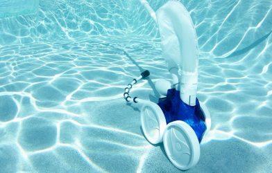 Las 8 mejores marcas de limpiafondos de piscina