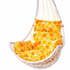 Silla colgante huevo con cojines florales